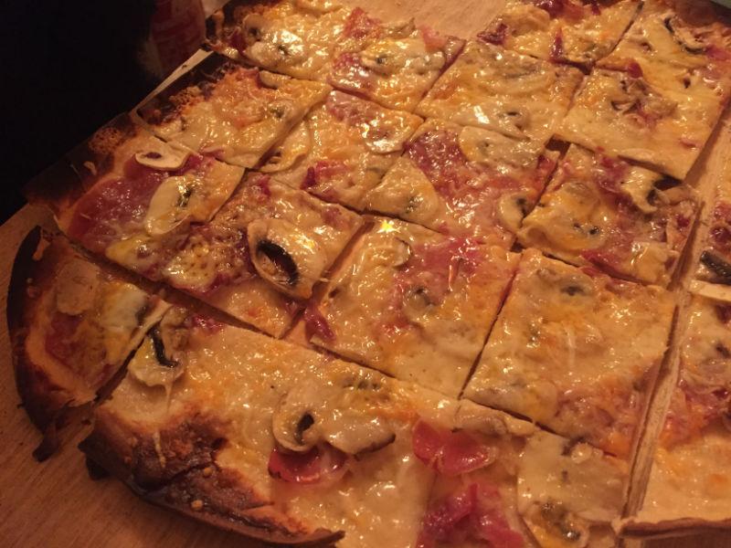 Dónde comer y cenar en Sitges: Santy's Flammenkuche