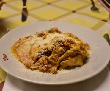 Dónde comer en Roma: la lasaña de Da enzo al 29