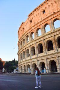 El Coliseo Romano al amanecer