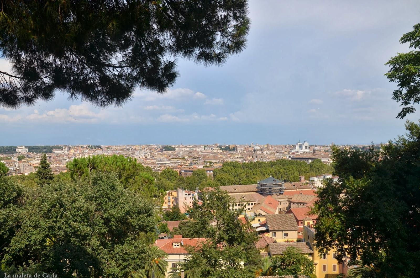 Alquilar una moto en Roma: vistas de la ciudad