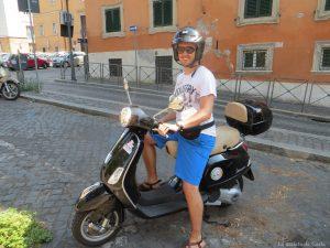 Alquilar moto en Roma