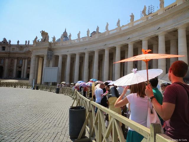 Consejos para visitar el Vaticano: cola para entrar a la Basílica