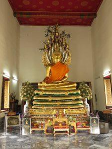 Además del Buda reclinado hay otras muchas imágenes de Buda en el Wat Pho