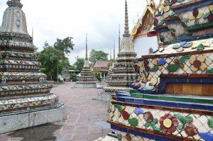estupas en el Wat Pho