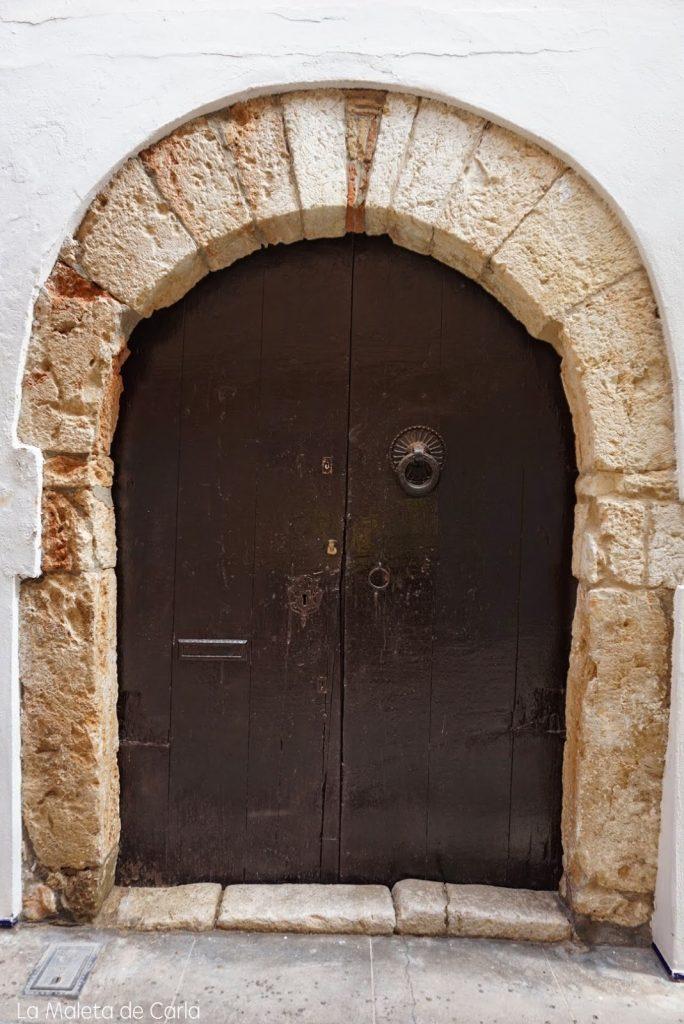 Qué hacer en Sitges: el pomo original de las antiguas puertas