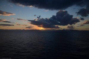Cómo ir de Atenas a Santorini en ferry