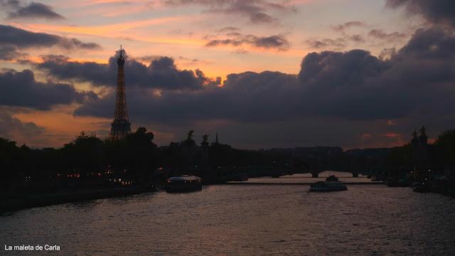 Las mejores vistas de París - La Torre Eiffel desde el Río Sena