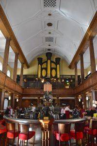 Qué hacer en Dublín y alrededores: visitar el pub iglesia