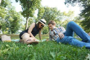 Qué hacer en Central Park y alrededores: picnic bajo un árbol