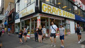Dónde comer en Central Park y alrededores: Gray's Papaya
