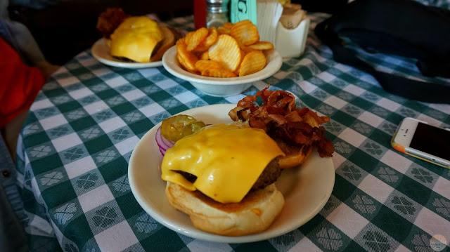 Dónde comer en Central Park y alrededores: JG Melon