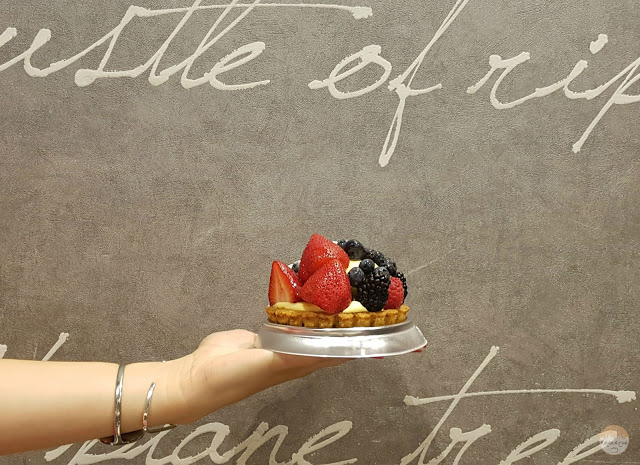 Tartaleta de crema y frutos rojos