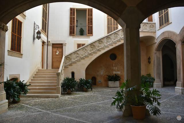 Fin de año en Palma de Mallorca - patios de Mallorca