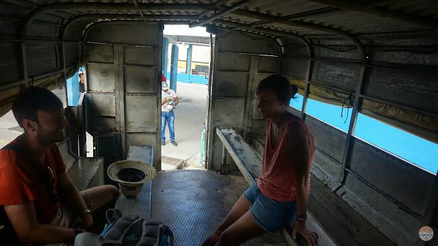 Cómo moverse por Cuba - parte trasera de un camión