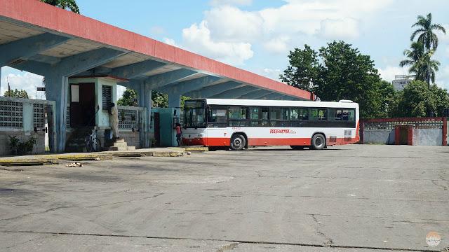 Cómo moverse por Cuba - autobús nacional