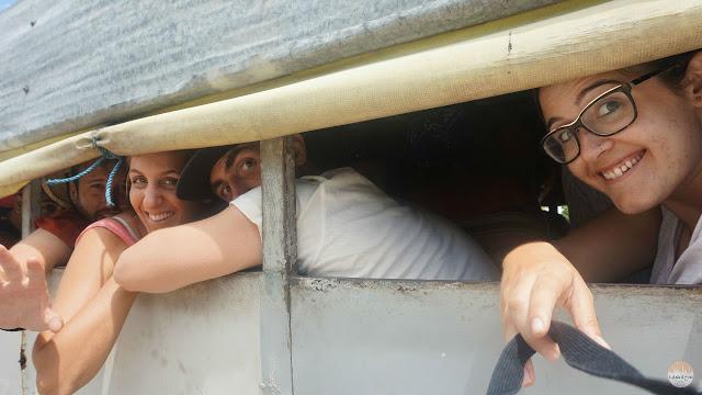 Cómo moverse por Cuba - viajando en la parte trasera de un camión