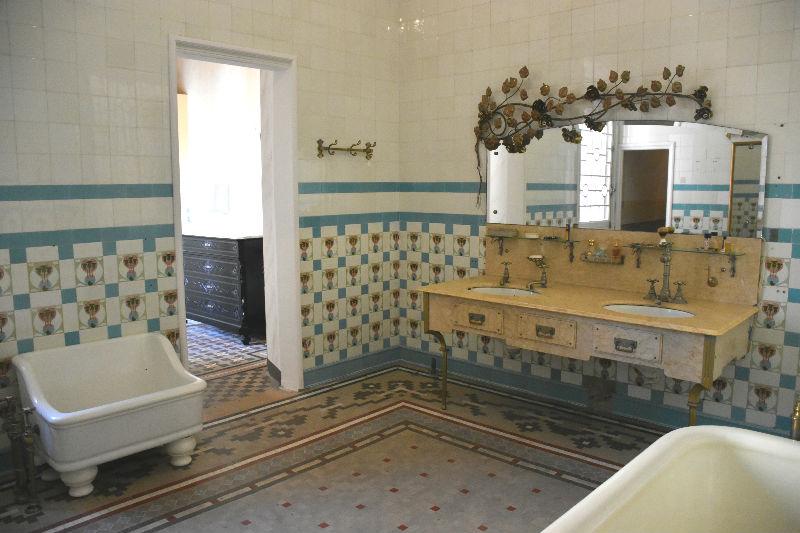 Qué hacer en Lloret de Mar: el baño lleno de detalles de la Casa Font