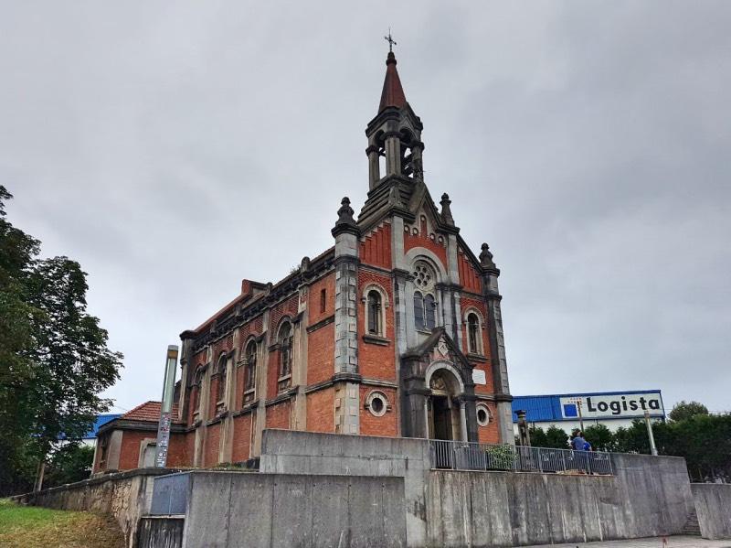 Fachada exterior de la Iglesia Skate