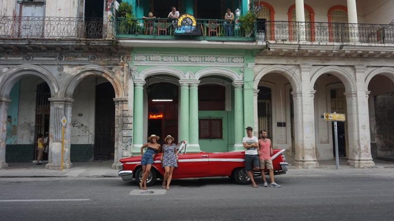 Cosas que hacer en La Habana: alquilar un coche antiguo para dar una vuelta