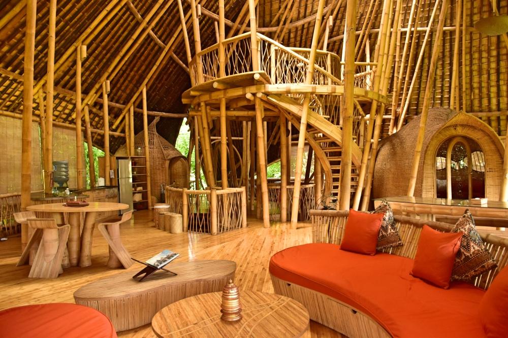 Una de las casas de bambú de la Green Village