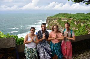 Excursión al sur de Bali: Templo de Uluwatu con los chicos de Sin Parar de Viajar