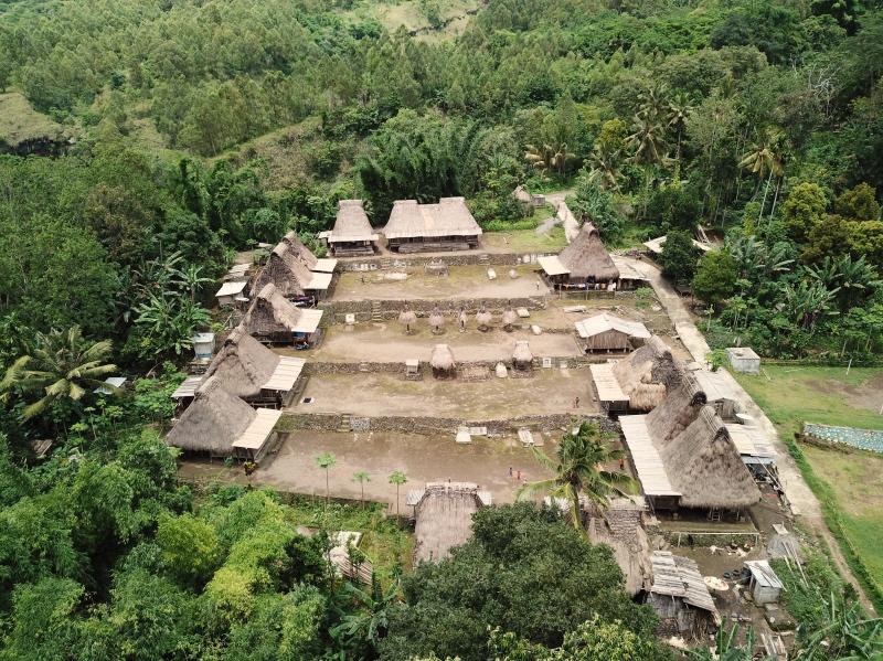 cosas que hacer en Indonesia: visitar aldeas tradicionales en Bajawa (Flores)