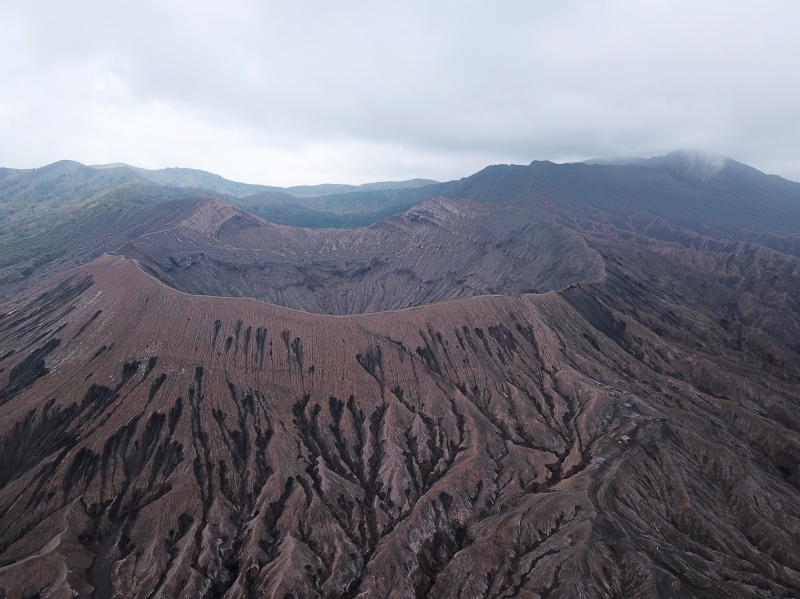 Parque Nacional del Bromo por libre: monte Bromo a vista de dron
