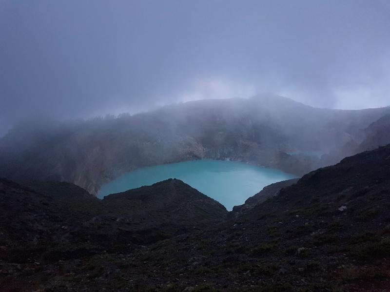 Ruta por la isla de Flores: ascensión al volcán Kelimutu