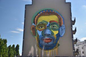 Los mejores grafitis de Berlín: cara multicolor