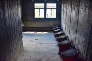 visita al campo de concentración de sachsenhausen: baños compartidos