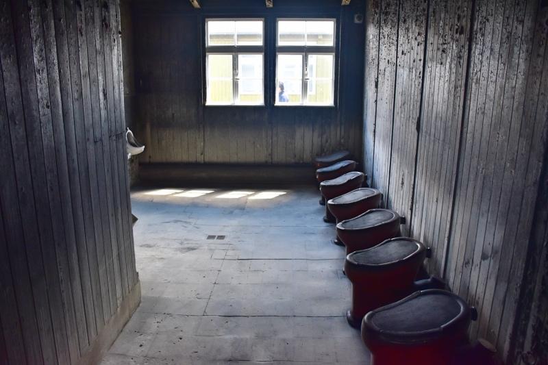 Visitar el campo de concentración de sachsenhausen: baños compartidos