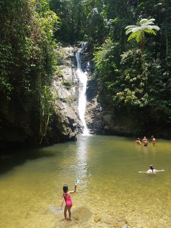 Qué hacer en Port Barton: visitar la cascada Pamuayan