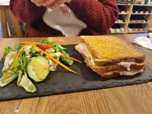 Dónde comer en Budapest bien y barato: Kuglov Café