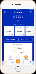 Imagen publicitaria con smartphone tipo iPhone blanco con la aplicación de Ferratumbank abierta