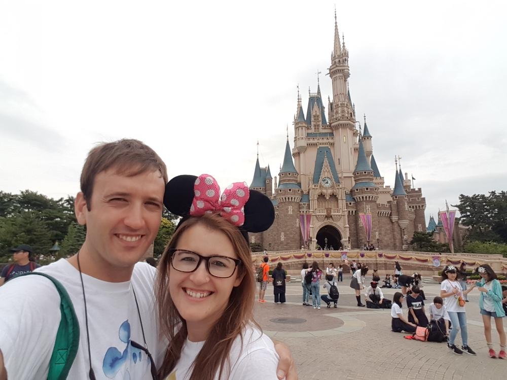 Frente al castillo de Disneyland Tokio