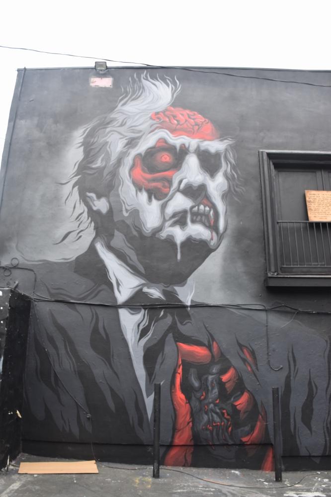 Qué hacer en Los Ángeles en 4 días: grafiti del presidente Trump en Melrose Avenue