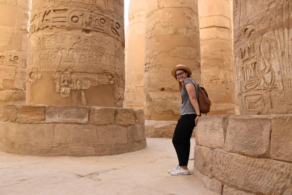 Paseando entre las columnas del templo de Karnak