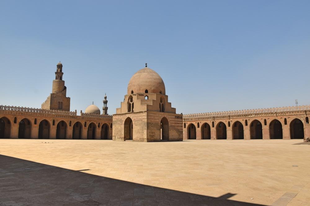 La mezquita de Ibn Tulun, una de las cosas que incluir en tu itinerario de 15 días a Egipto