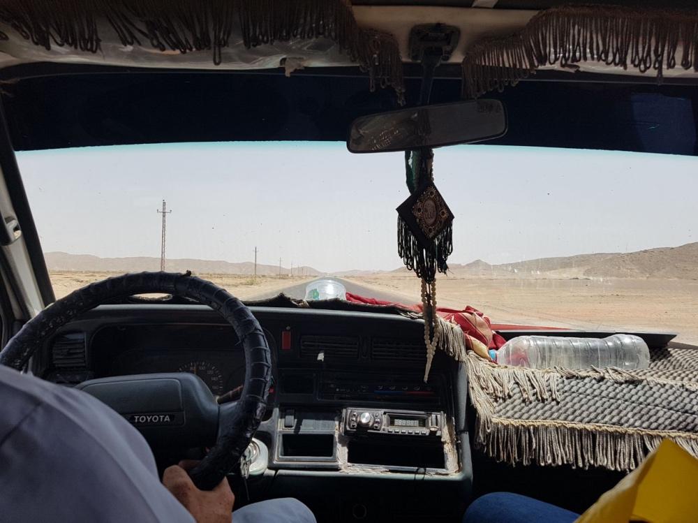 llegando a Marsa Alam por el desierto