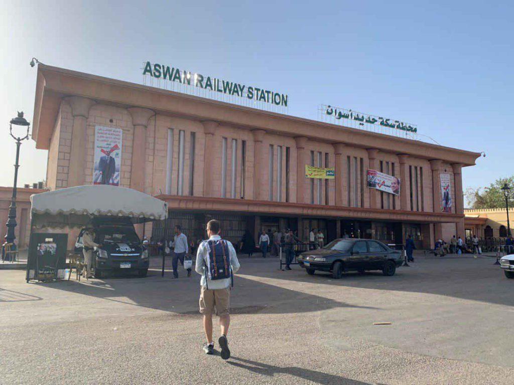 estación tren Asuán