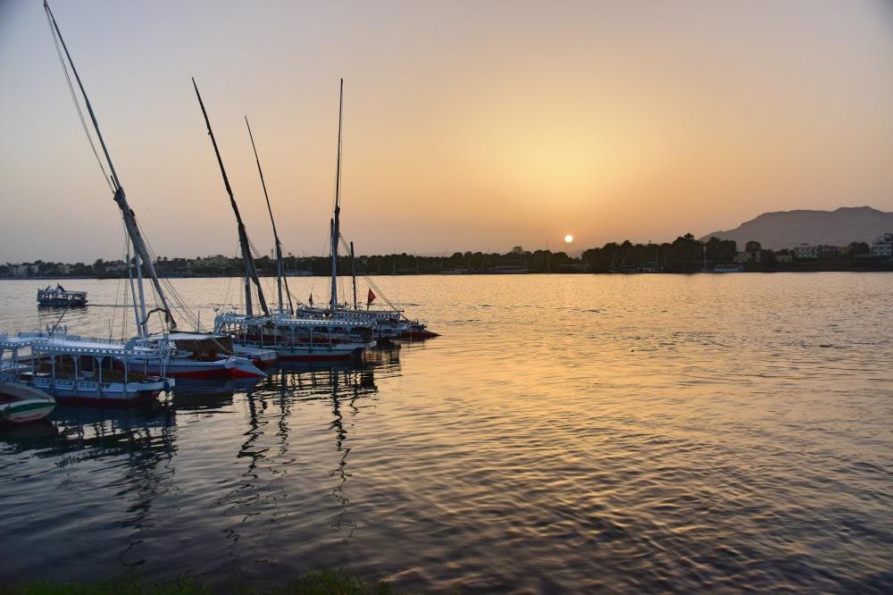 Qué hacer en Luxor: pasear junto al Nilo al atardecer