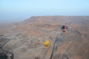 Qué hacer en Luxor: volar en globo al amanecer