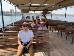 Qué hacer en Luxor: cruzar el Nilo en ferry local