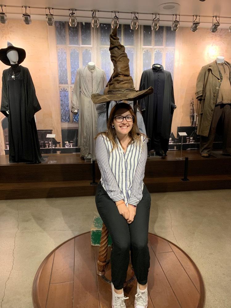 Probándome el sombrero seleccionador de Hogwarts