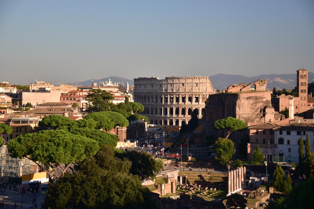 El Coliseo Romano desde el mirador del Monumento a Vittorio Emanuele II