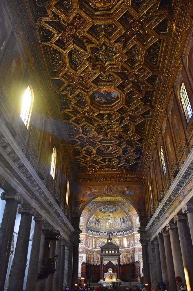 Qué hacer en el Trastevere: El increíble techo de Santa María in Trastevere