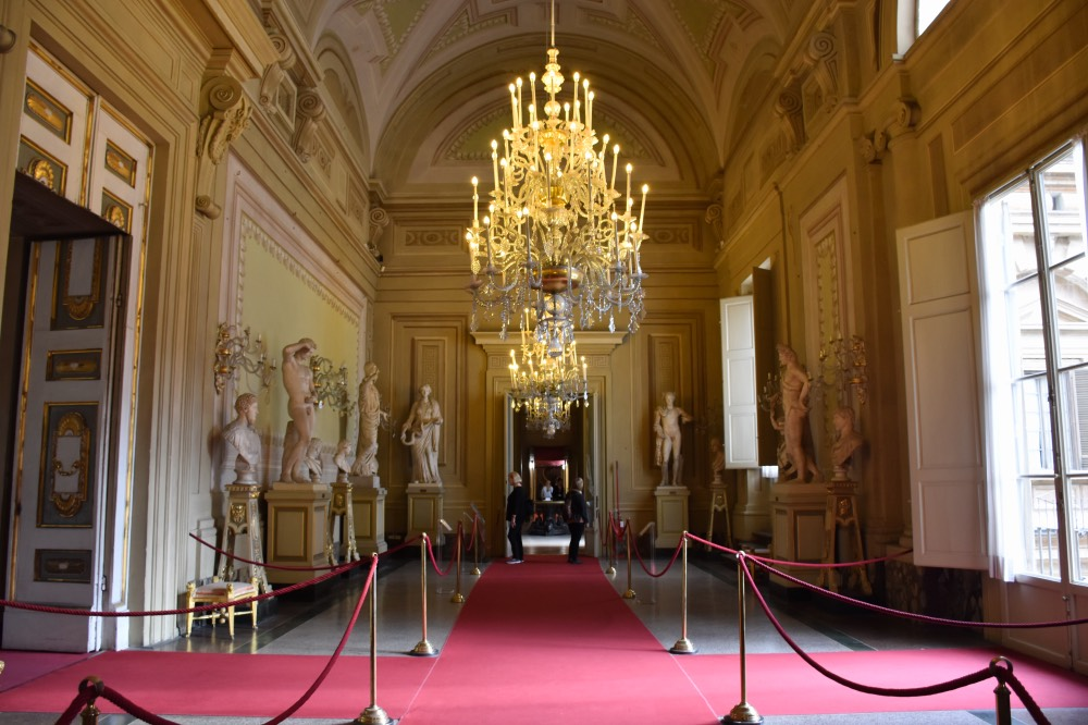 Una de las estancias de la Galería Palatina, en el Palacio Pitti