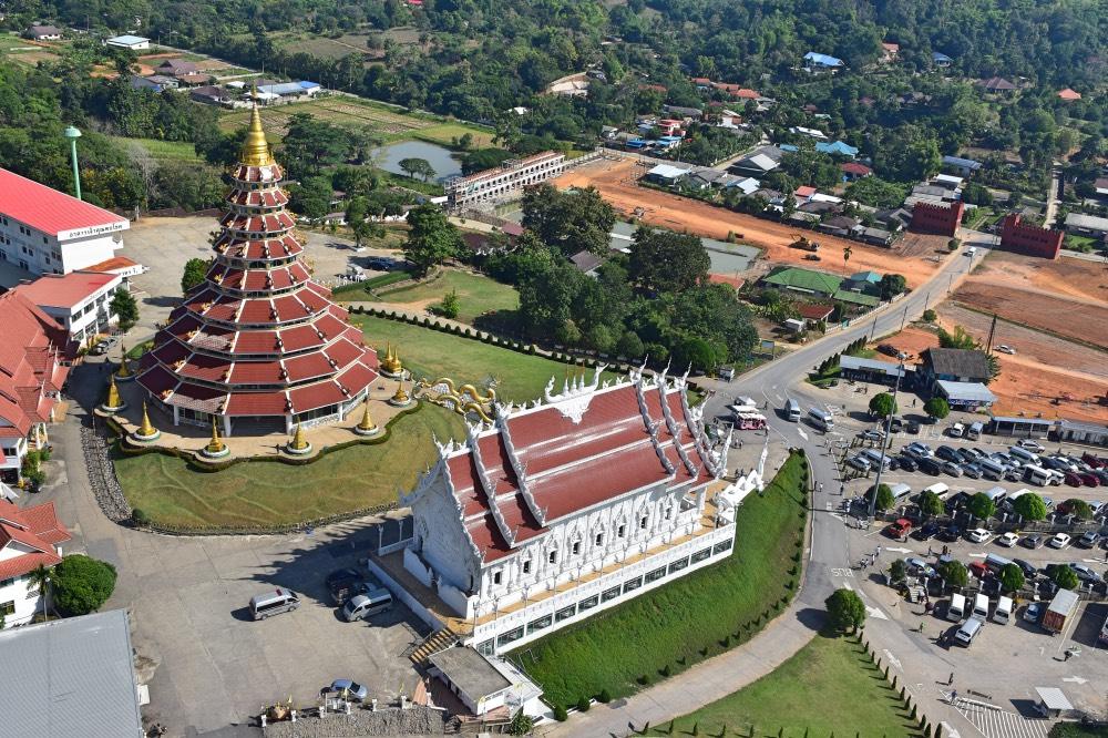 Las vistas de la pagoda y el templo desde el mirador del Gran Buda