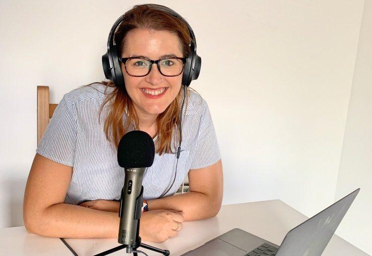 Crear un podcast de viajes