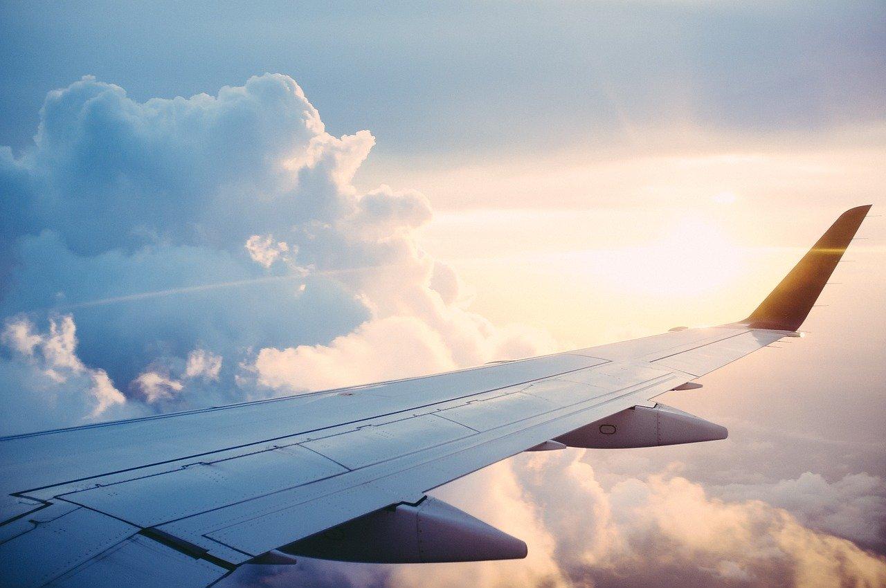 ¿Deberíamos dejar de viajar en avión?